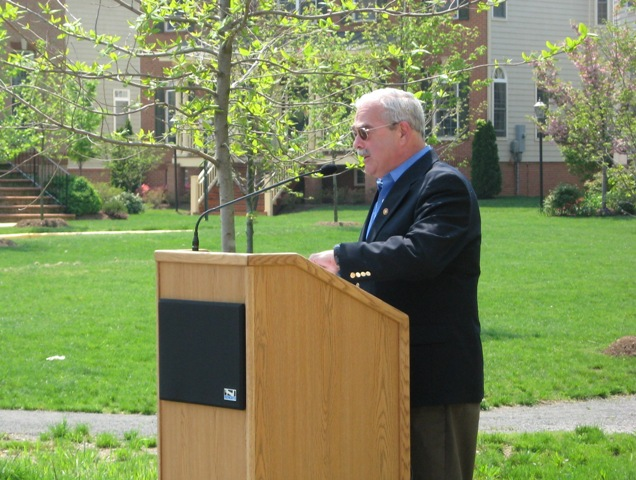 Rep. Gerald Connolly speaking at the Ira Gabrielson marker in 2007.