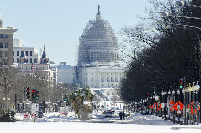 Traffic slowly returns to Pennsylvania Ave January 24, 2016. Approximately 17.8 inches of snow fell on the Washington D.C. metropolitan area.