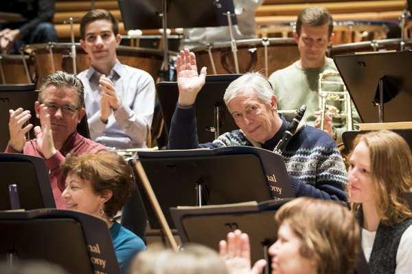 Retiring principal clarinet Loren Kitt is recognized before rehearsal begins at the Berlin Philharmonic earlier this year.