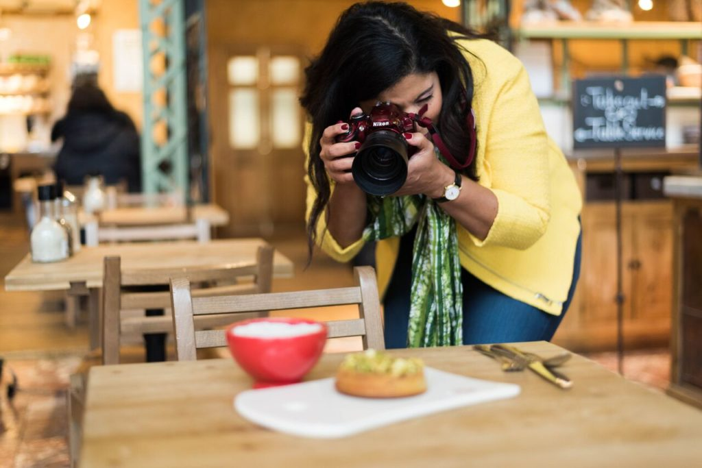 Food blogger Jessica van Dop DeJesus at work.